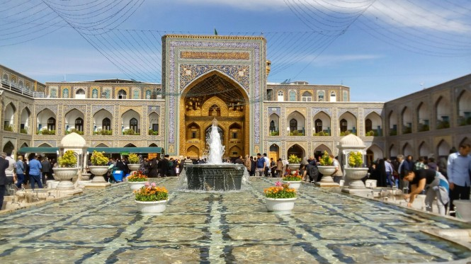 2017-04-iran-mashhad-mausoleo-07