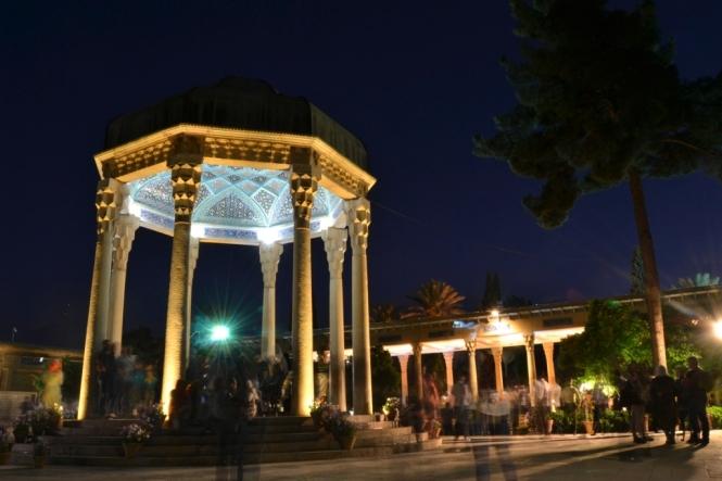 2017-04-iran-Shiraz-Aramgah-e-Hafez-2