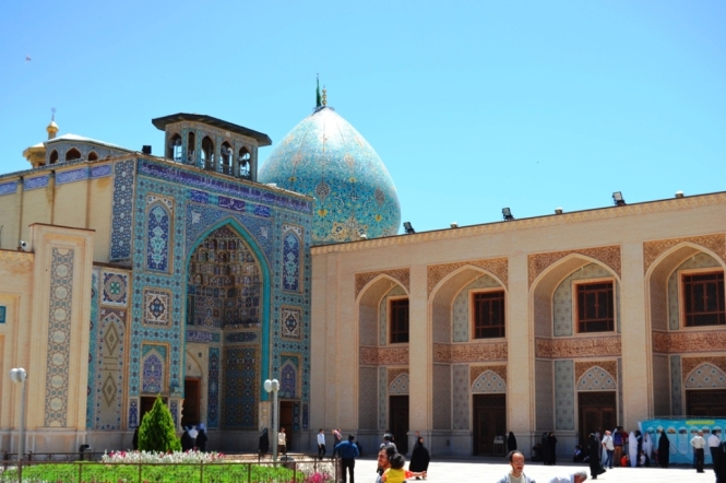 2017-04-iran-Shiraz-Aramgah-e-Shah-e-Cheragh-2