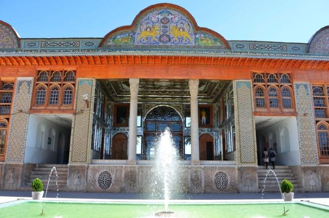 2017-04-iran-Shiraz-Bagh-e-Naranjestan-3.JPG
