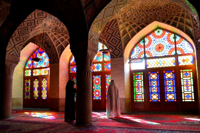 2017-04-iran-Shiraz-Masjed-e-Nasir-al-Molk-1.JPG