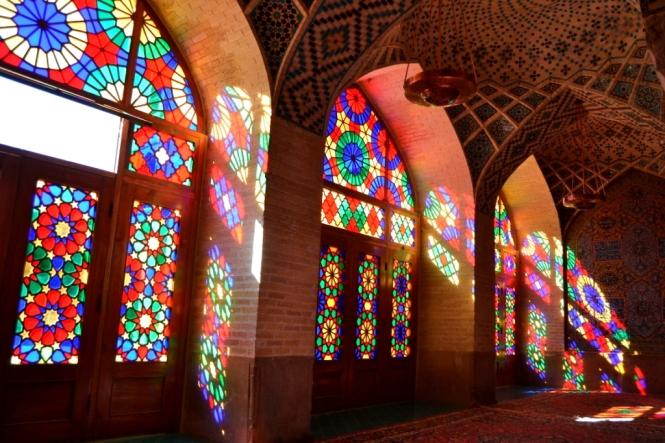2017-04-iran-Shiraz-Masjed-e-Nasir-al-Molk-4.JPG