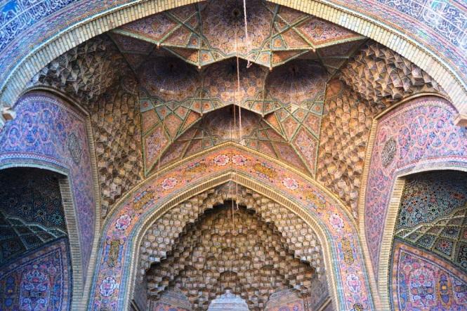 2017-04-iran-Shiraz-Masjed-e-Nasir-al-Molk-7