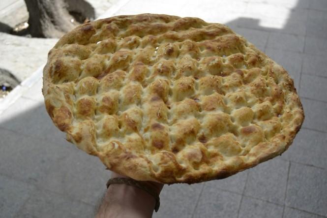 2017-04-iran-tehran-pan-tradicional