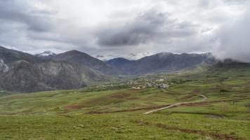 Valle de Alamut - Cerca del Lago Evan