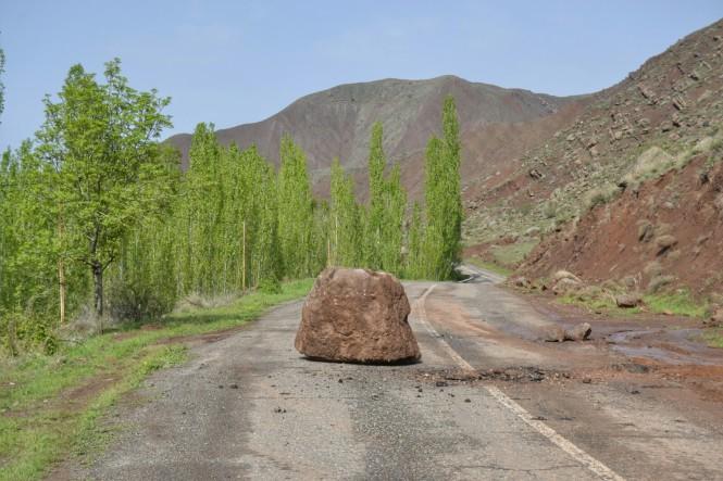2017-04-iran-valle-alamut-carretera-6