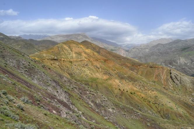 2017-04-iran-valle-alamut-castillo-lamiasar-1.jpeg