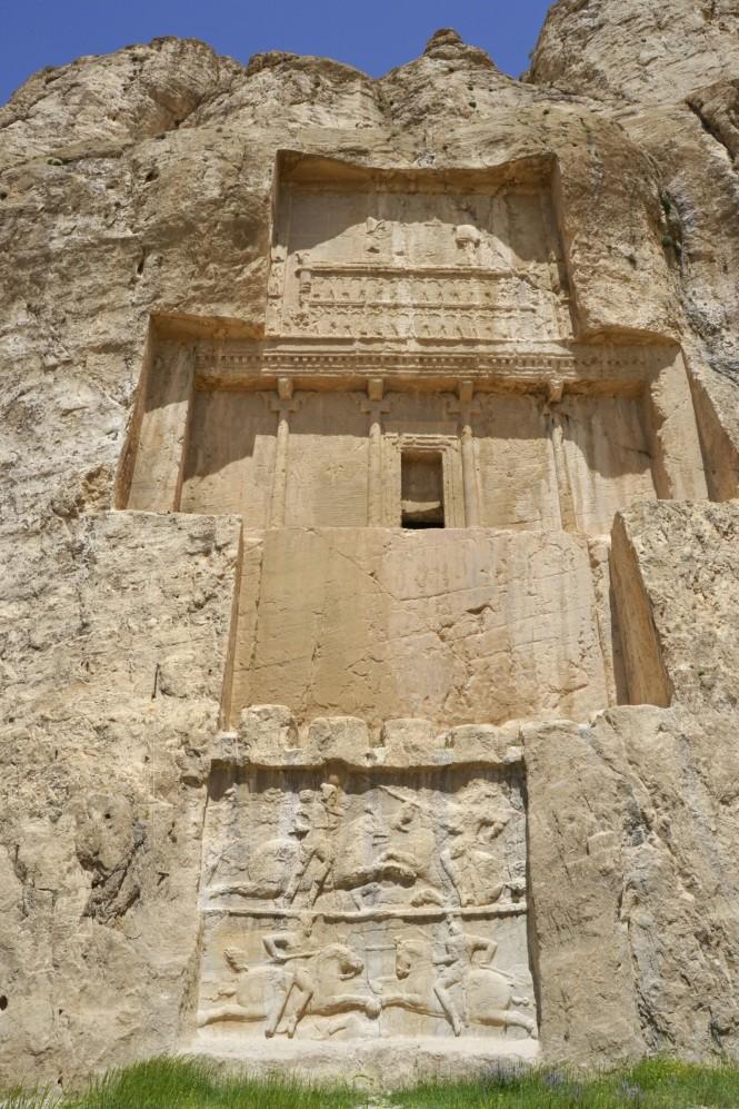 2017-04-iran-persepolis-naqsh-e-rostam-9-tumba-dario-I