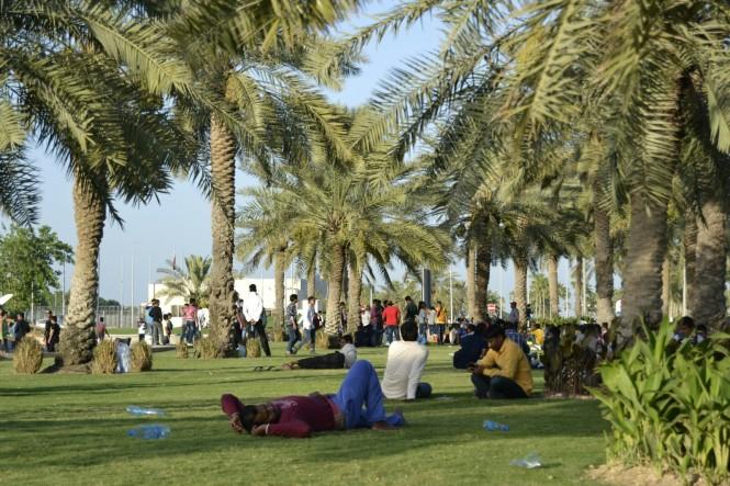 2017-06-qatar-doha-corniche-botellon