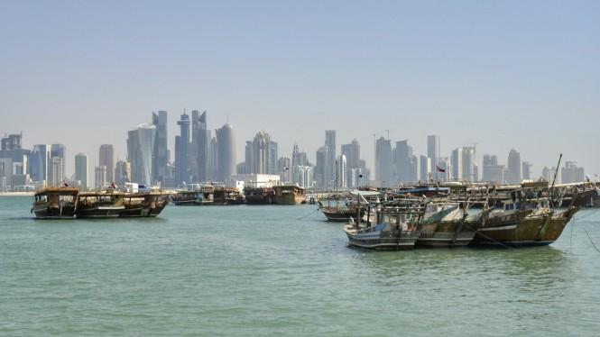 2017-06-qatar-doha-corniche-skyline-04