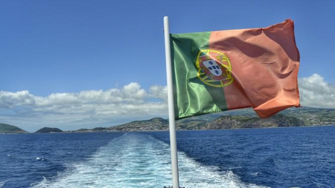 2017-07-azores-faial-isla-desde-ferry