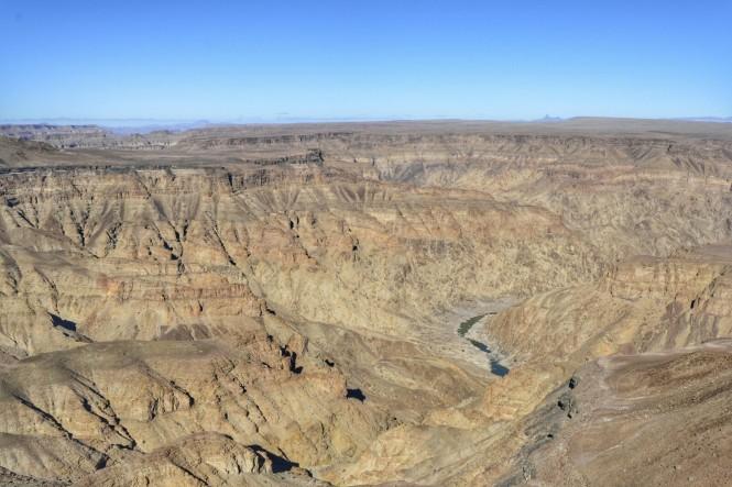 2017-06-namibia-fish-river-canyon-hikers-viewpoint-3