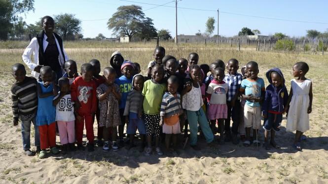 2017-06-namibia-ngepi-magnus-mbumbo-school-3