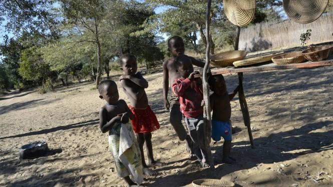 2017-06-namibia-ngepi-poblado-tradicional