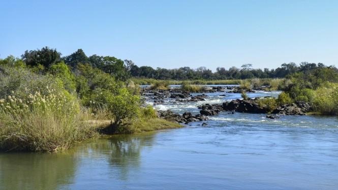 2017-06-namibia-ngepi-poppa-falls