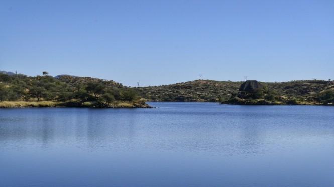 2017-06-namibia-Rehoboth-lago-oanob-1