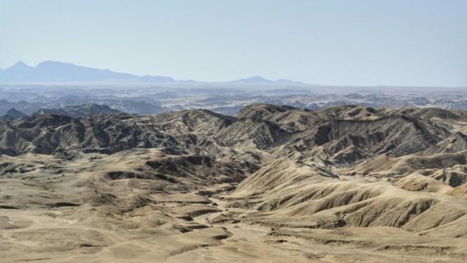 2017-06-namibia-swakopmund-welwitschia-plains-beacon-4-swakop-valley-2