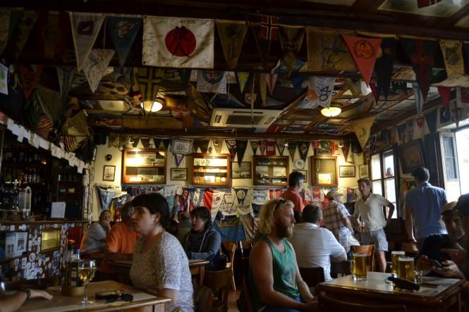 2017-07-azores-faial-horta-9-peter-cafe