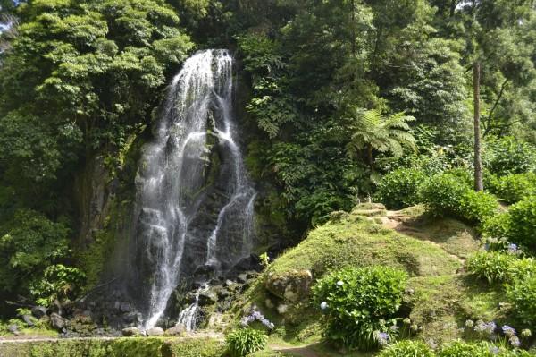 2017-07-azores-sao-miguel-ribeira-dos-caldeiroes.jpeg