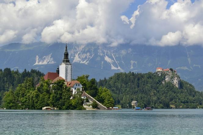2018-07-eslovenia-bled-jezero-15-blejski-otok-grad.jpeg