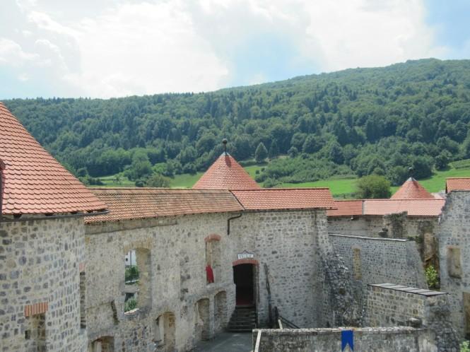 2018-07-eslovenia-dolenjska-grad-zuzemberk-1