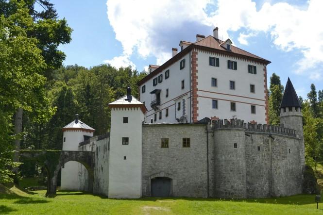 2018-07-eslovenia-grad-sneznik-1