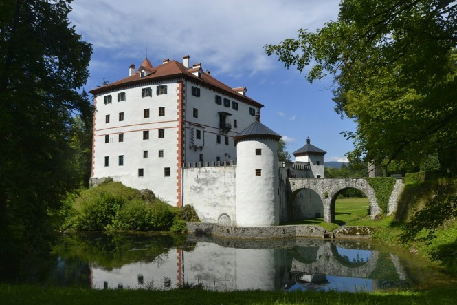 2018-07-eslovenia-grad-sneznik-2