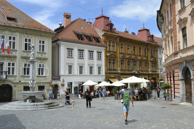 2018-07-eslovenia-ljubljana-gornji-trg-2