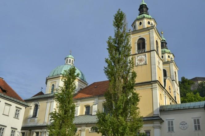 2018-07-eslovenia-ljubljana-stolnica-sv-nikolaja-1