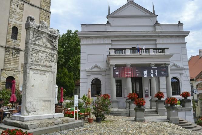 2018-07-eslovenia-ptuj-slovenski-Trg-2-Orfejev Spomenik.jpeg
