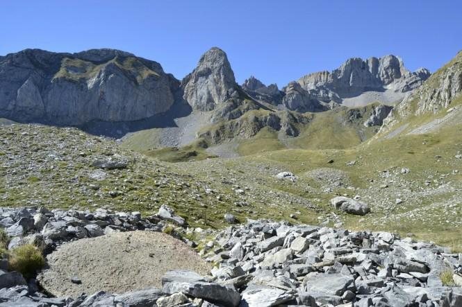 2018-09-pirineos-ibon-estanes-22-dolmen