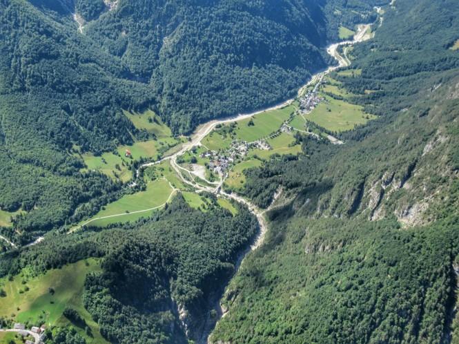 2018-07-eslovenia-dolina-soce-valle-soca-parapente-22-descenso.jpeg