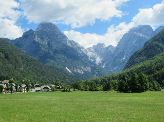 2018-07-eslovenia-dolina-soce-valle-soca-parapente-27-descenso.jpeg