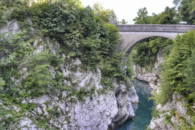 2018-07-eslovenia-dolina-soce-valle-soca-puente-napoleon-2.jpeg