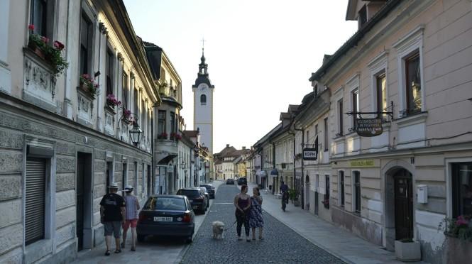 2018-07-eslovenia-kamnik-calles