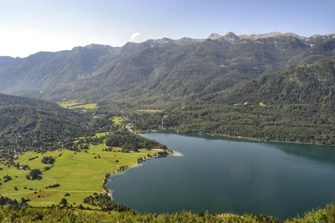 2018-07-eslovenia-alpes-julianos-triglav-etapa-1-04-vogar-vistas-bohinj