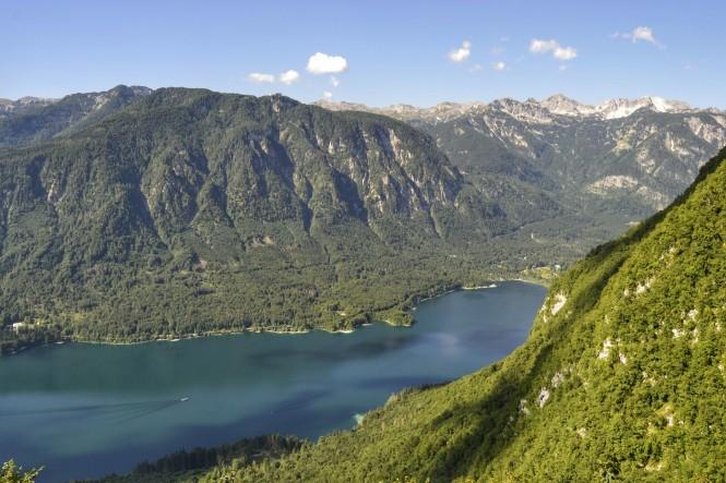 2018-07-eslovenia-alpes-julianos-triglav-etapa-1-05-vogar-vistas-bohinj.jpeg