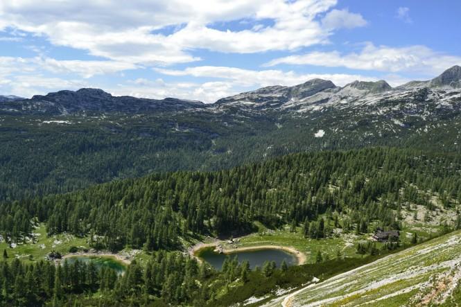 2018-07-eslovenia-alpes-julianos-triglav-etapa-1-18-Hacia-Koca-Pri-Triglavskih-Jezerih-dvojno-jezero