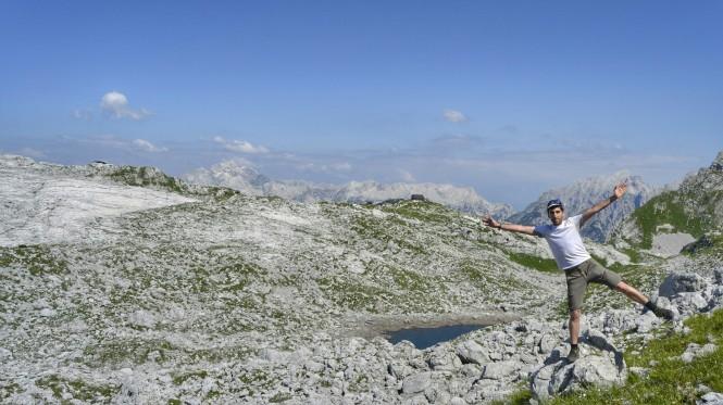 2018-07-eslovenia-alpes-julianos-triglav-etapa-2-21-hacia-kanjavec-vistas-Rjavo-Jezero