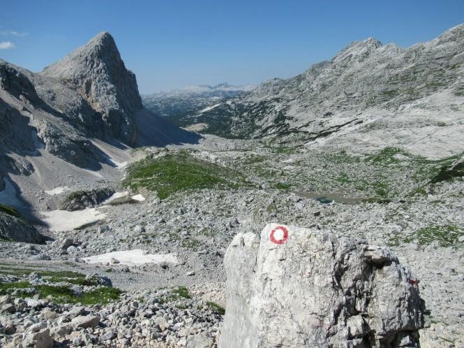 2018-07-eslovenia-alpes-julianos-triglav-etapa-2-23-hacia-kanjavec-vistas-valle.jpeg