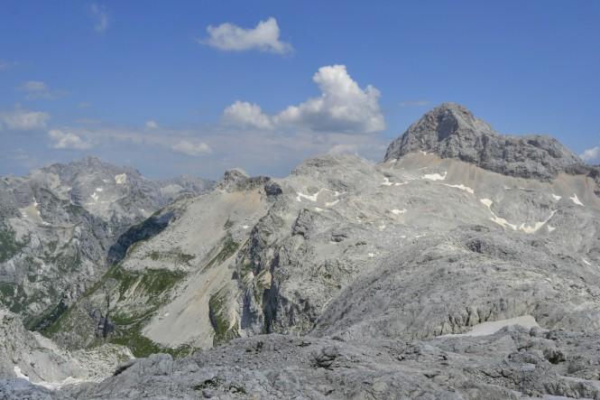 2018-07-eslovenia-alpes-julianos-triglav-etapa-2-32-descenso-kanjavec-hacia-koca-na-dolicu.jpeg