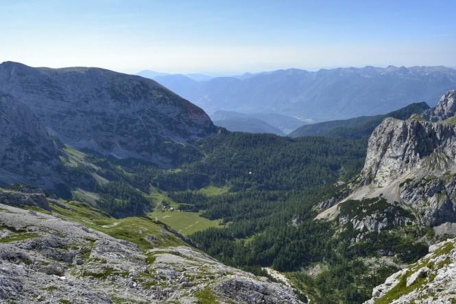 2018-07-eslovenia-alpes-julianos-triglav-etapa-3-09-hacia-dom-planika-pod-triglavom-vistas