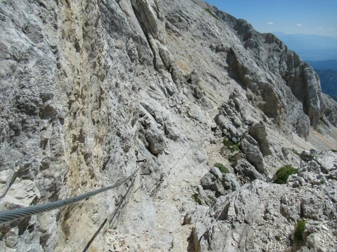 2018-07-eslovenia-alpes-julianos-triglav-etapa-3-17-hacia-Dom-Valentina-Stanica-Pod-Triglavom-cable.jpeg
