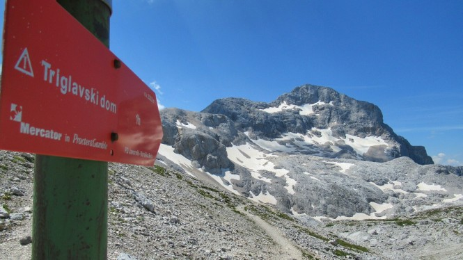 2018-07-eslovenia-alpes-julianos-triglav-etapa-3-25-Dom-Valentina-Stanica-Pod-Triglavom-senal.jpeg