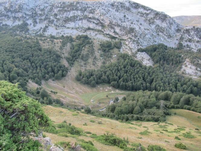 2018-08-golondrinas-dia-2-03-ascenso-collado-petretxema-vistas-pistas-esqui-linza.jpeg