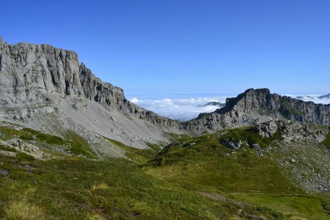 2018-09-golondrinas-dia-3-12-subida-al-col-des-anies-vistas-hacia-cabane-du-cap.jpeg