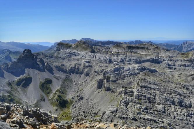 2018-09-golondrinas-dia-3-25-cima-anie-vistas-s-mesa-tres-reyes-los-alanos-penaforca-ezkaurre