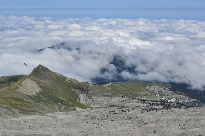 2018-09-golondrinas-dia-3-30-cima-anie-vistas-o-arlas-aguila-mar-nubes.jpeg