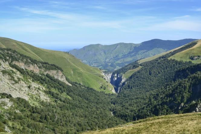 2018-09-golondrinas-dia-4-28-collado-arrakogoiti-vistas-gorges-kakoueta.jpeg