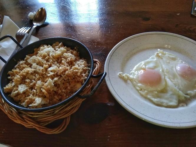 2018-09-golondrinas-dia-4-32-venta-juan-pito-huevos-migas.jpeg